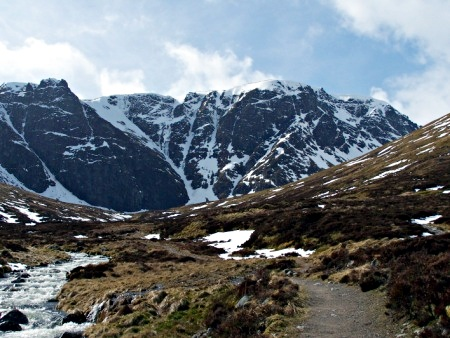 Coire Ardair from the approach